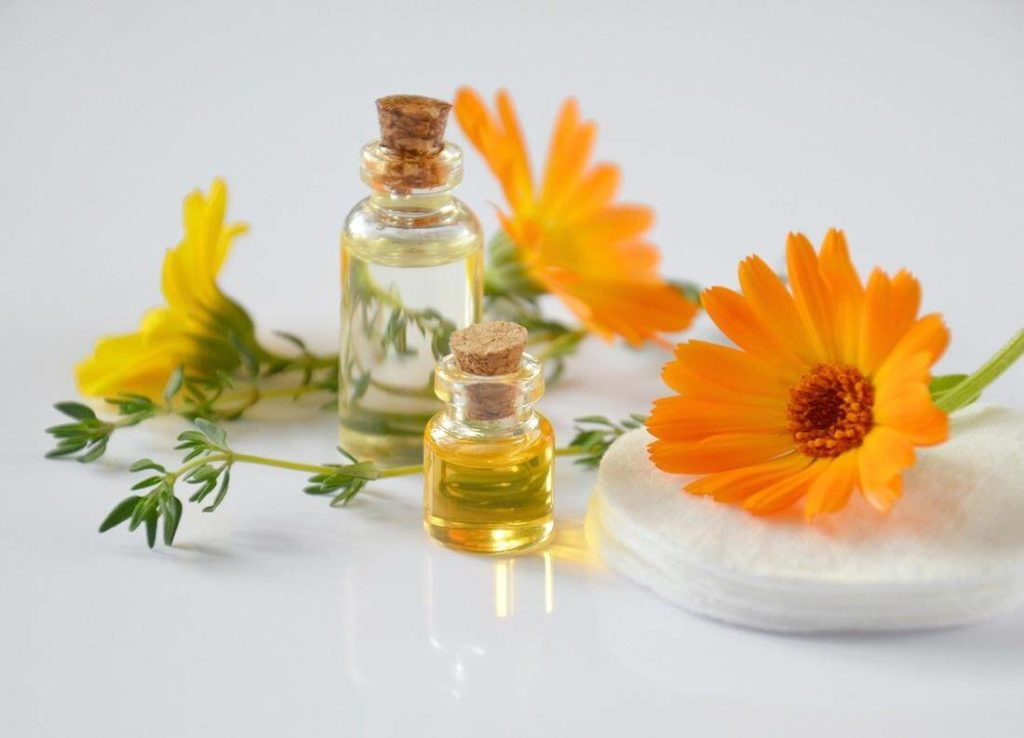 Gesichtsmaske mit ätherischen Ölen