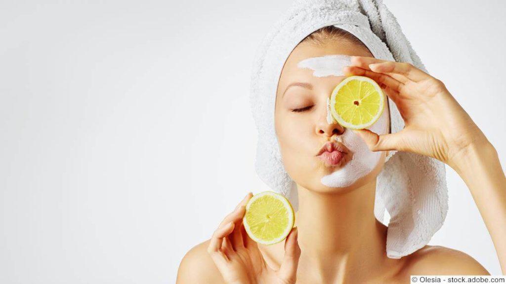 Gesichtsmaske mit Zitrone, Quark